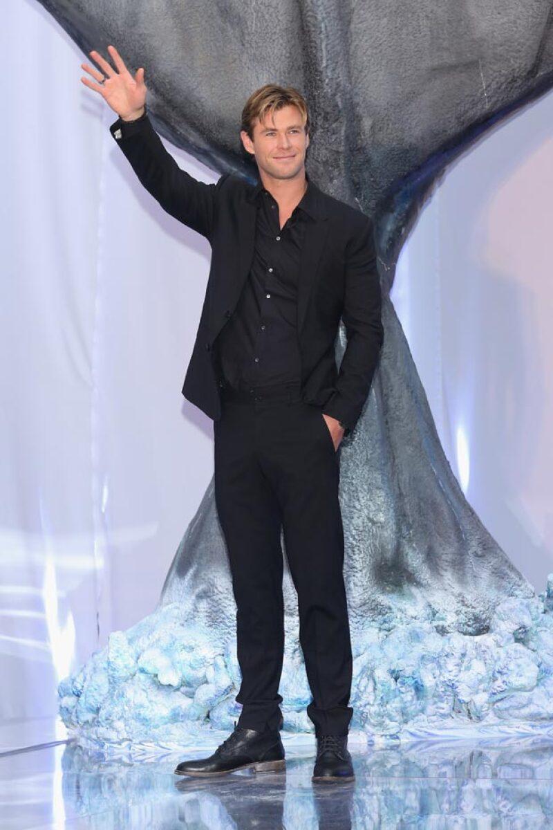 Chris Hemsworth también estuvo presente en la red carpet, que se llevó a cabo en un cine de Antara, Polanco.