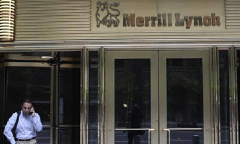 El banco dijo que tomó la decisión tras una revisión de sus actividades con materias primas. (Foto: Reuters)