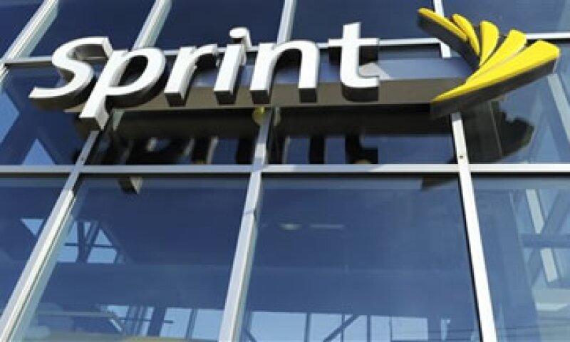 El acuerdo dará a Sprint el poder de fuego para comprar a firmas pares y expandir su red 4G. (Foto: AP)