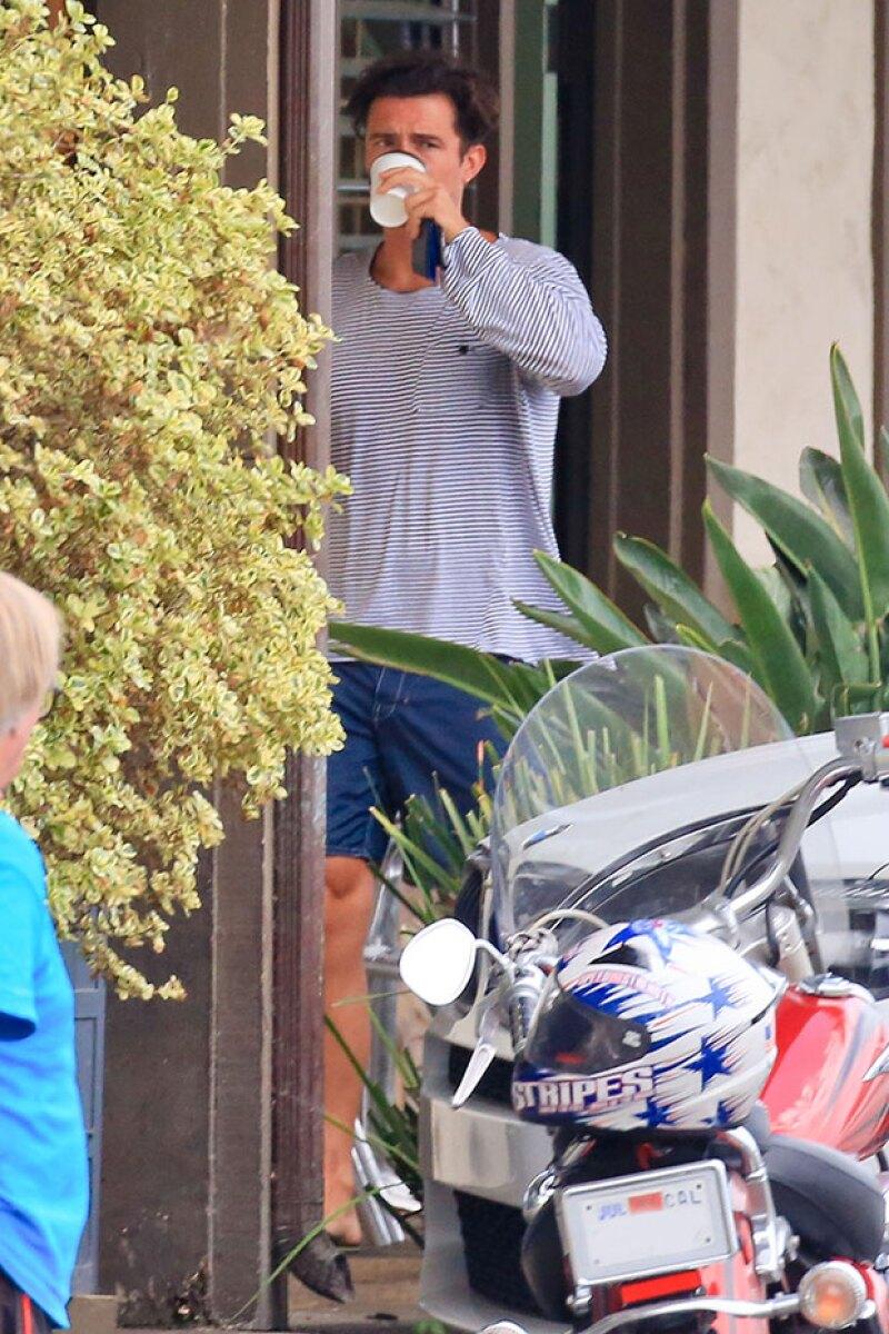 El actor fue captado al salir de un restaurante con la ex novia del &#39Lord&#39. Y no, no estamos hablando de Kourtney Kardashian.