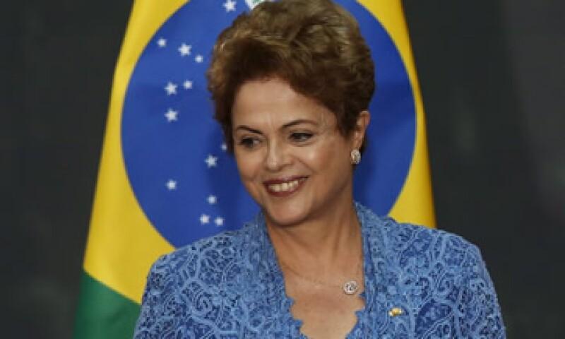 La presidenta de Brasil prevé lanzar en breve un conjunto de medidas para dinamizar las exportaciones. (Foto: Reuters )