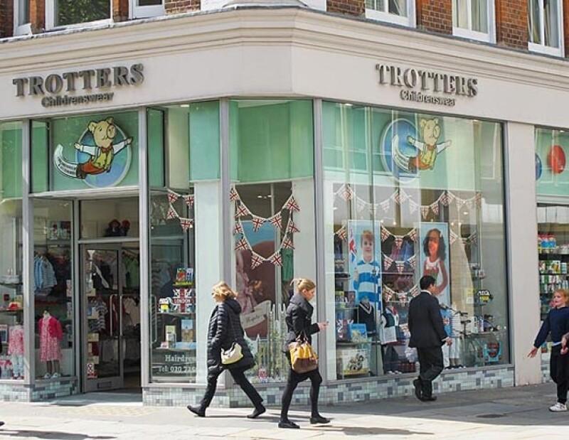Kate adquirió accesorios para su bebé en Trotters.