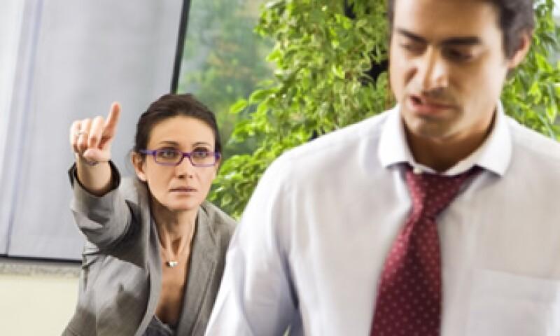 Si tienes una relación conflictiva con tu jefe, asumir responsabilidad de tus acciones la mejorará. (Foto: Photos to Go)
