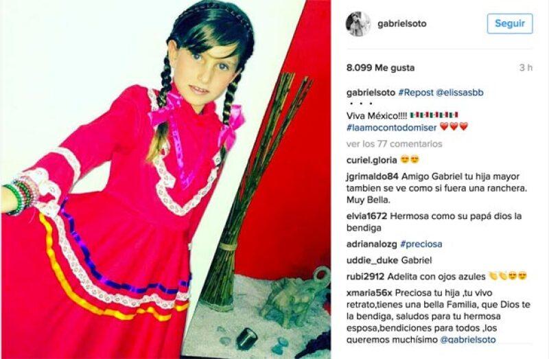 Las hijas de Gabriel Soto se disfrazaron muy patrióticamente.