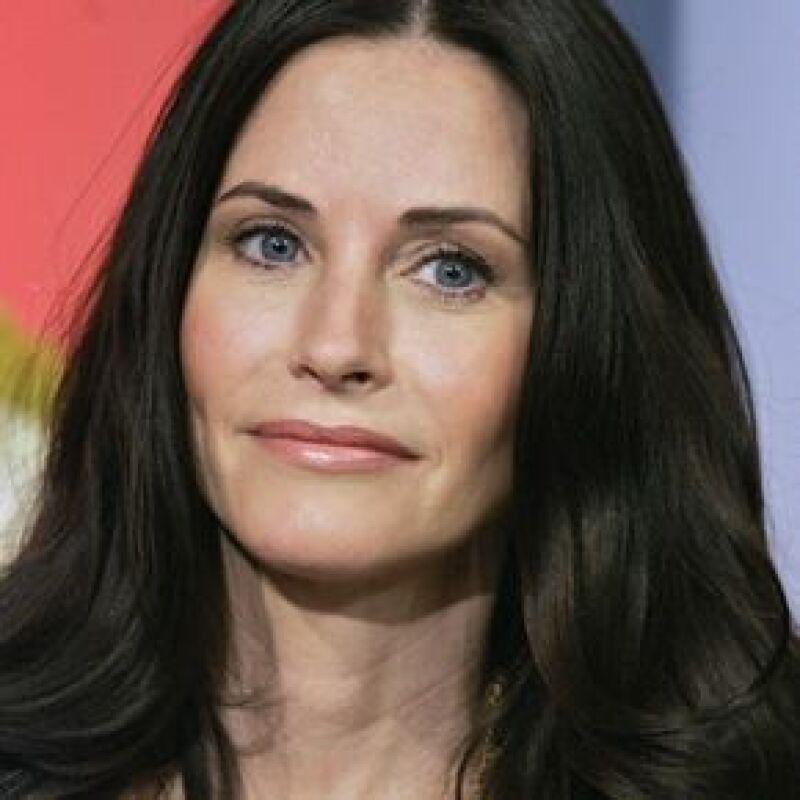 La actriz de Friends y su esposo David Arquette están desesperados por tener otro hijo.
