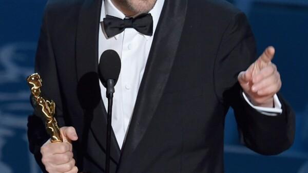 El fotógrafo y productor mexicano ganó el premio a Mejor Cinematografía por su trabajo en &#39Birdman&#39 con Alejandro González Iñárritu.