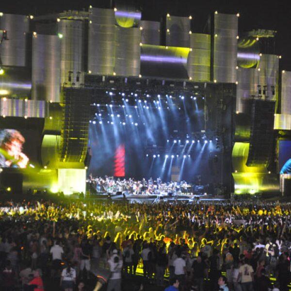 Las pantallas gigantes hicieron que el público estuviera más de cerca con los cantantes.
