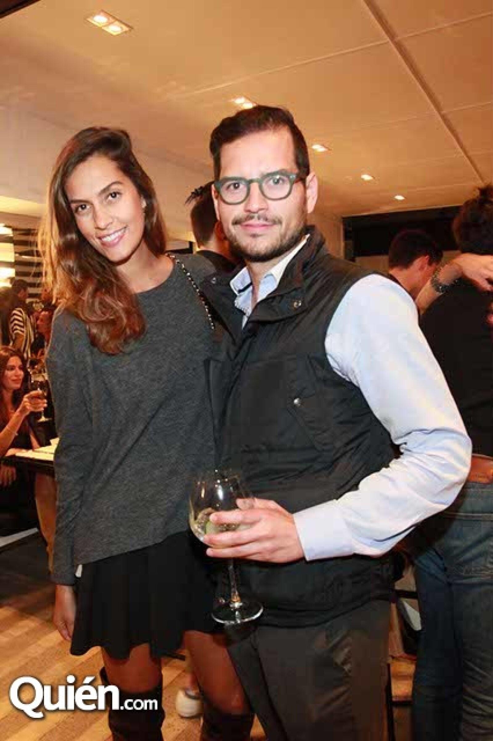 Luisa González y Diego López