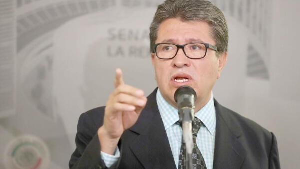 Ricardo Monreal en Senado.jpeg