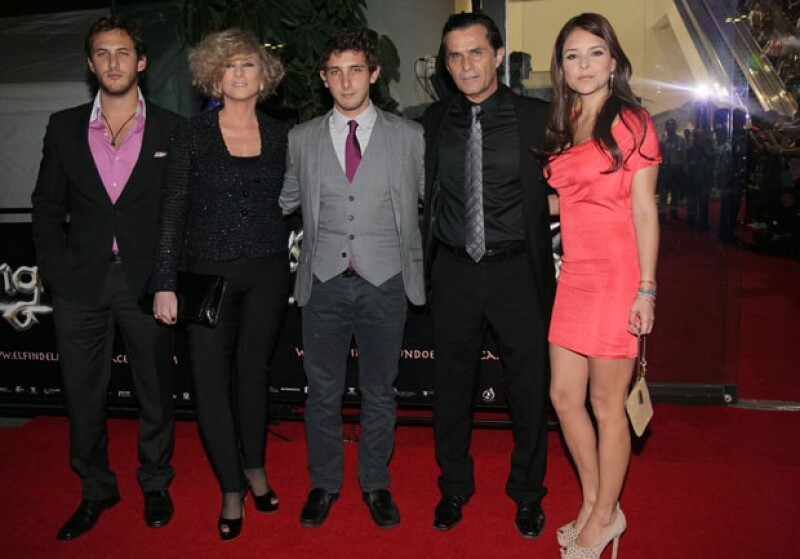 Sebastián, Christian Bach, Humberto, Emiliano Zurita y Grettel Valdez.