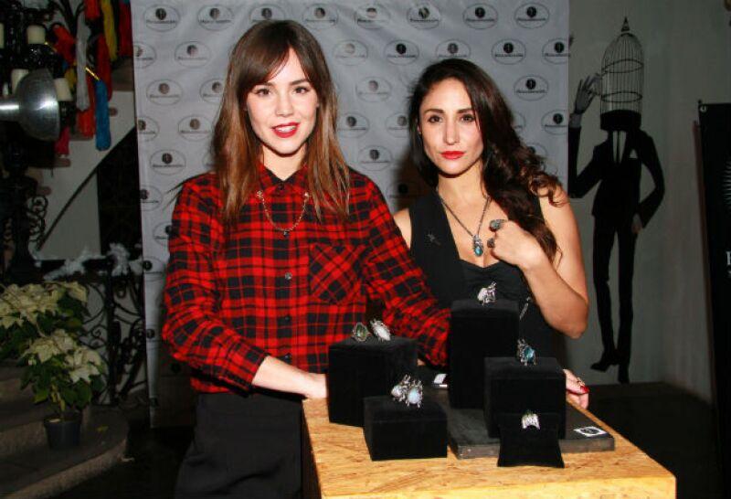"""Las actrices y diseñadoras celebraron este jueves el cierre de su año de proyectos dando a conocer los nuevos diseños de su marca """"Resurrexión"""" en una boutique de Polanco."""