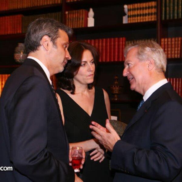Miguel Fernández,Mercedes García,Daniel Parfait