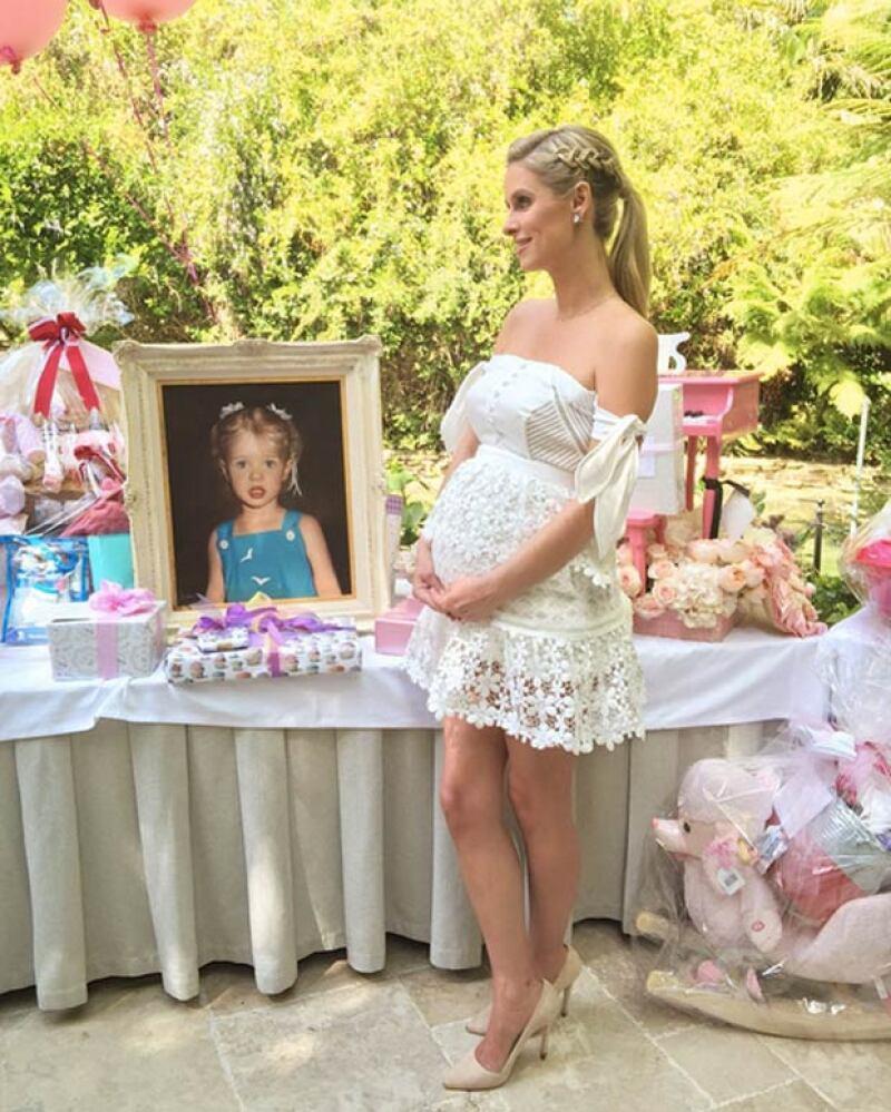 La hermana de Paris Hilton tuvo un festejo de ensueño en un hotel de Los Ángeles, para celebrar la llegada de su primer hijo, donde estuvo acompañada de su familia.