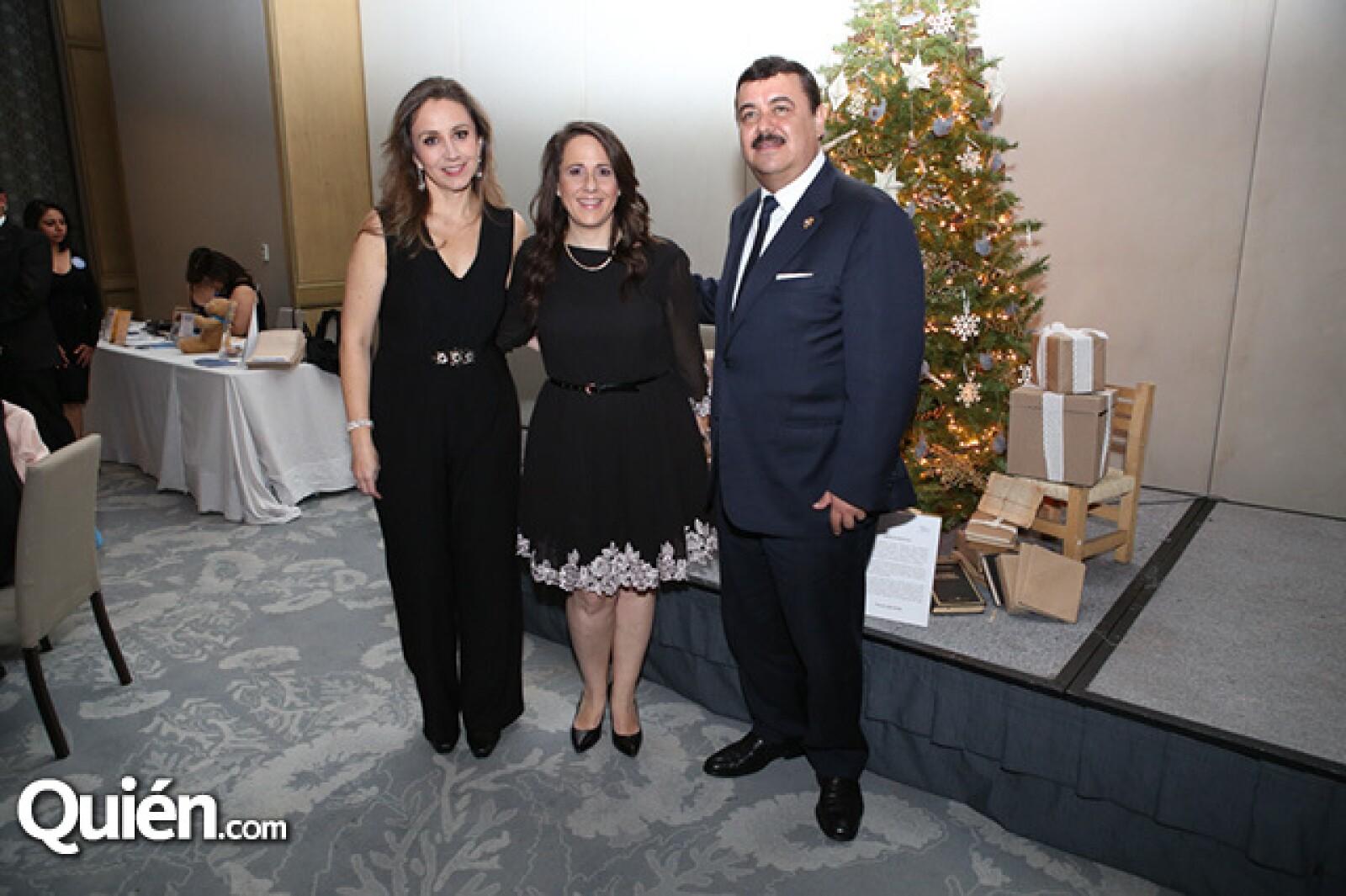 Renata Olvera,Paola Berger e Hiram Almeira