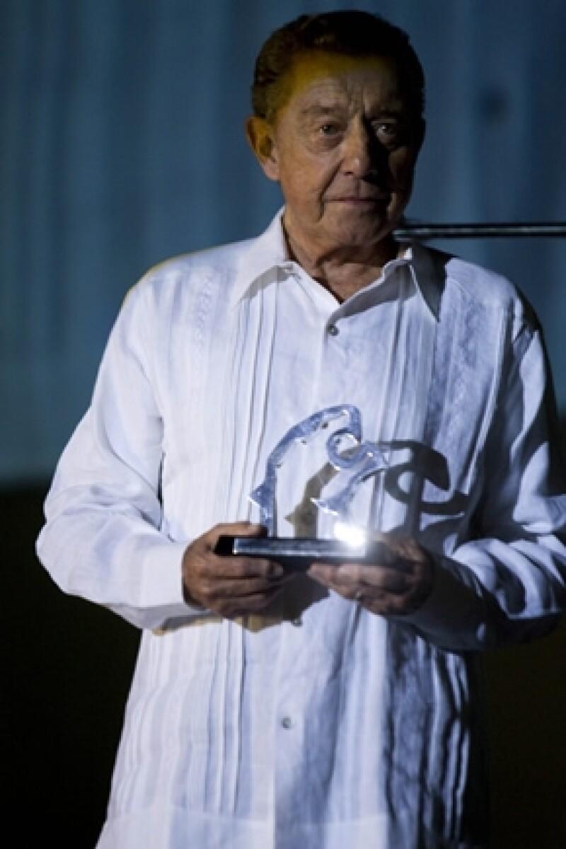 El ex Gobernador de Veracruz fue homenajeado durante el 5to. Festival de Cine de Acapulco (FICA), durante su discurso pidió a la comunidad cinematográfica evitar la huída de talento.