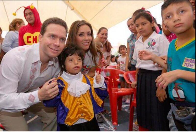 La pareja visitó el CRIT el Día del Niño