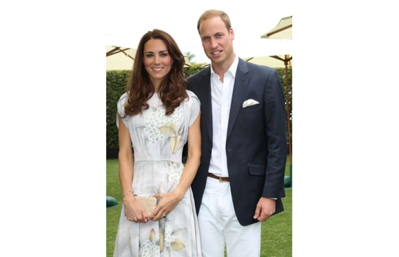 La pareja decidió viajar a la isla caribeña Mustique para pasar unos días juntos alejados del ajetreo constante del protocolo real; se hospedaron en una villa de lujo junto a la familia de la duquesa.