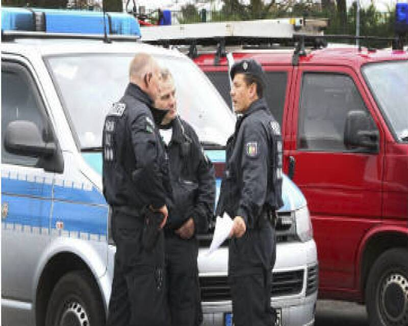 Los espectadores en el estadio de Hannover fueron evacuados por razones de seguridad, según la AFP; estaba previsto que al recinto acudiera la canciller Angela Merkel.