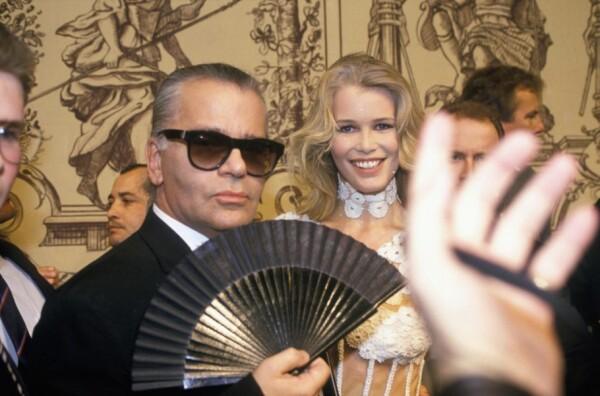 Claudia Shiffer y Karl Lagerfeld