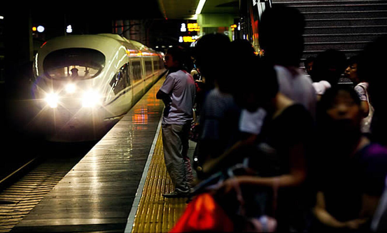 Sólo en el 2008, el sistema de trenes de alta velocidad de China realizó 1,400 millones de viajes.