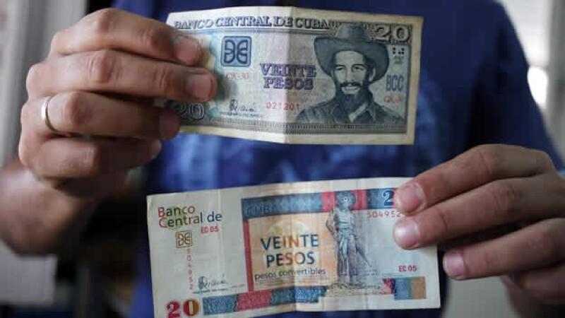 billetes de pesos cubanos
