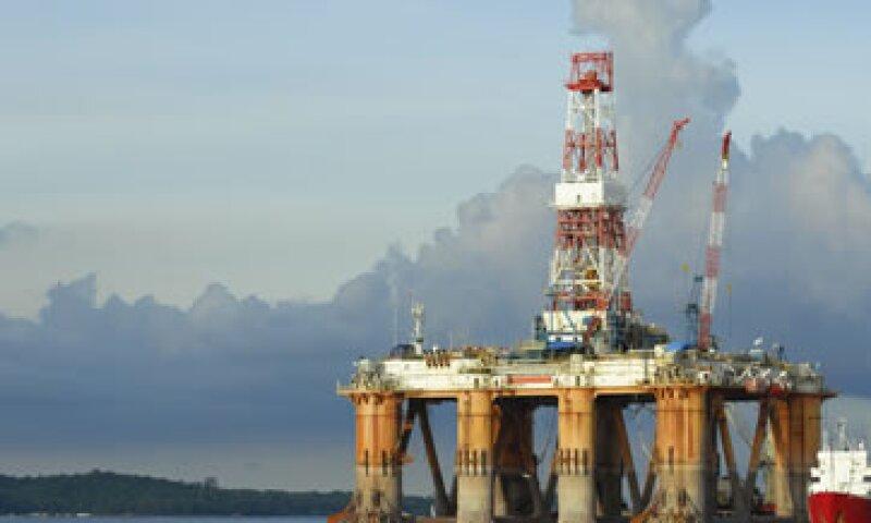 La empresa enfrenta serios rezagos en materia de producción petrolera. (Foto: Getty Images)