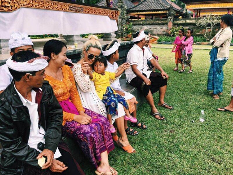 """Quién® platicó con la escritora y bloguera de moda acerca de su última aventura en Indonesia y sobre su nuevo proyecto """"Into the Industry"""", un workshop de moda que imparte en Nueva York."""