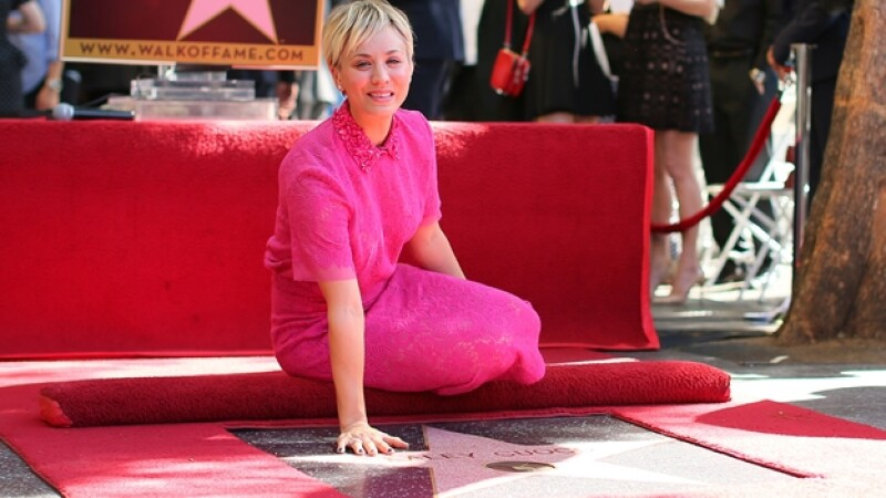 Kaley Couco recibe su estrella en el paseo de la fama de Hollywood