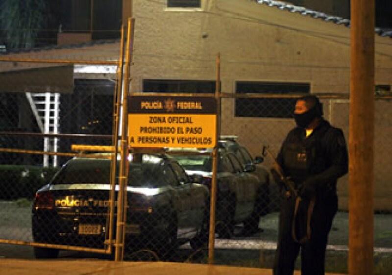 La noche del sábado también se registraron ataques simultáneos a las instalaciones de la Policía Federal en León y Celaya, con granadas de fragmentación y armas de alto poder. (Foto: Notimex)