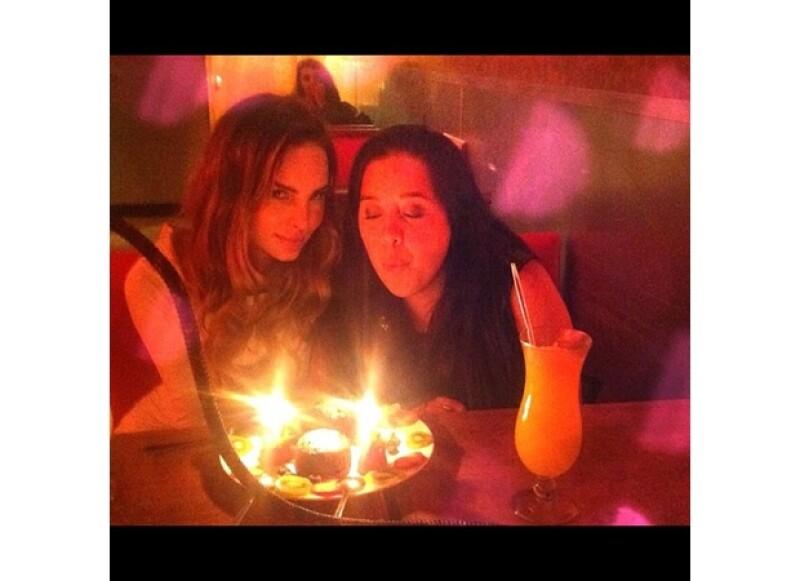Así festejó Belinda a su amiga.