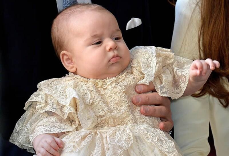 El Príncipe George es el bebé de más alta jerarquía de nuestra lista.