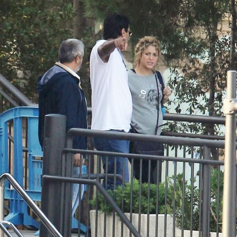 Es notable la pancita de Shakira, por lo que habría superado ya el primer trimestre del embarazo.