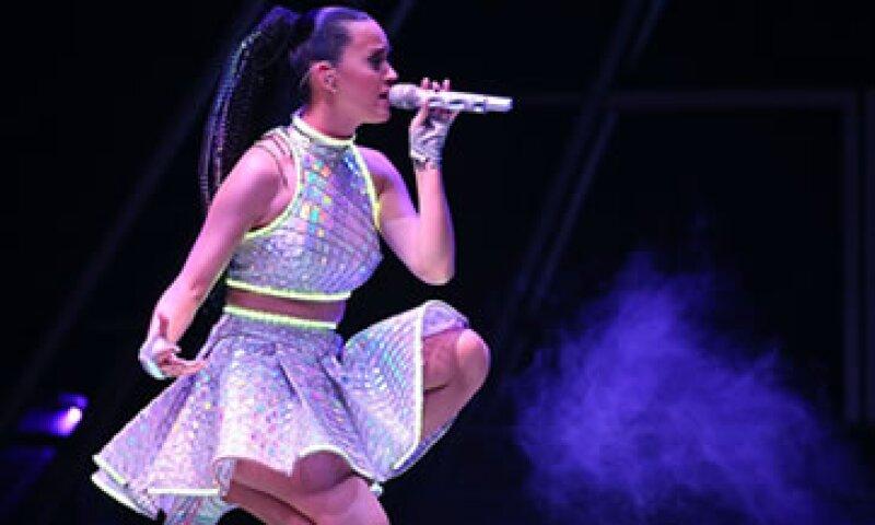 La cantante Katy Perry es la elegida para protagonizar el emblemático show del mediotiempo. (Foto: Getty Images)