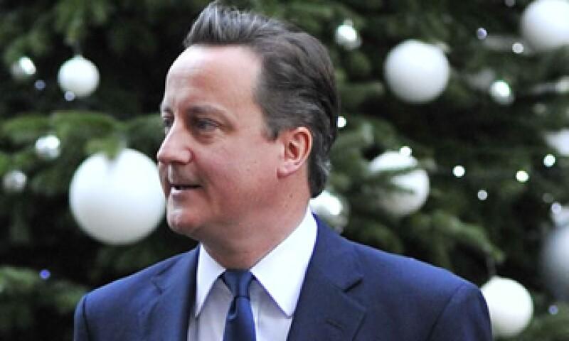 David Cameron dijo estar aliviado de que su país no pertenece al euro. (Foto: Reuters)