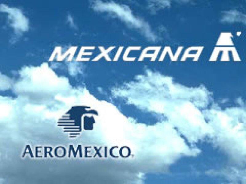 Diversos sectores se han pronunciado por la fusión de las dos aerolíneas bandera de México. (Foto: Archivo)