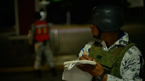 Guardia vigila migrantes