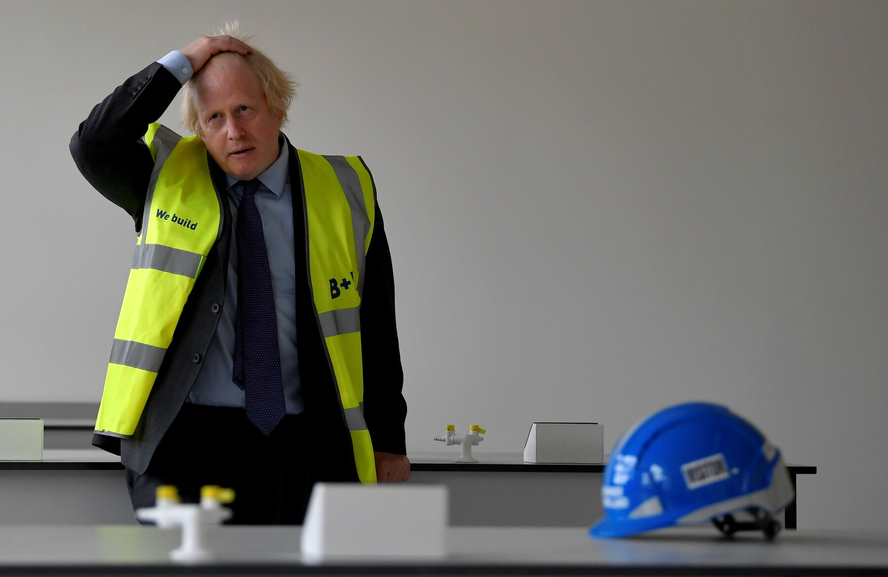 BRITAIN-POLITICS-EDUCATION-CONSTRUCTION