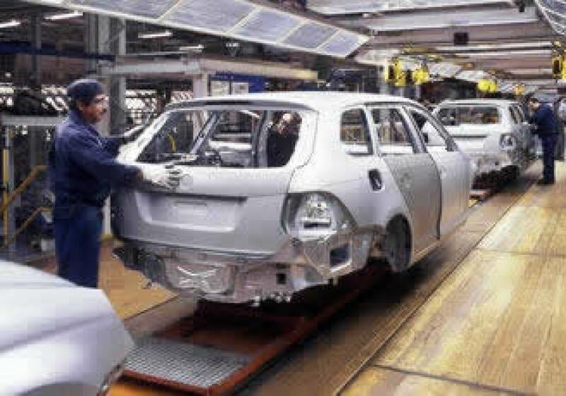 Las armadoras han reducido su producción en 35% a tasa anual a octubre.  (Foto: Cortesía VW)