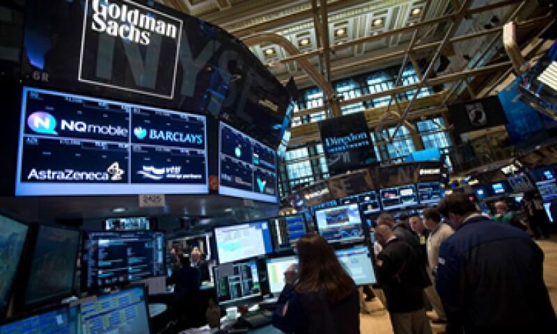 El Dow Jones cae 0.35% al inicio de la jornada. (Foto: Reuters )