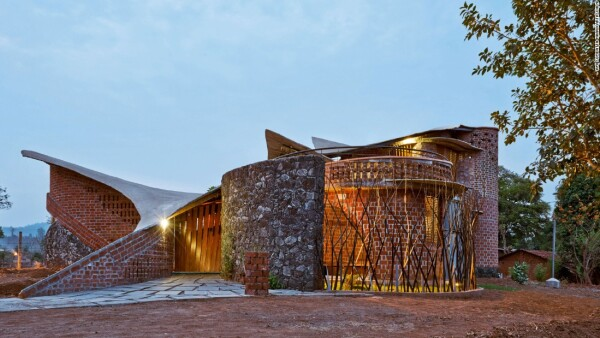 Brick House, de IStudio Architecture (Wada, India)