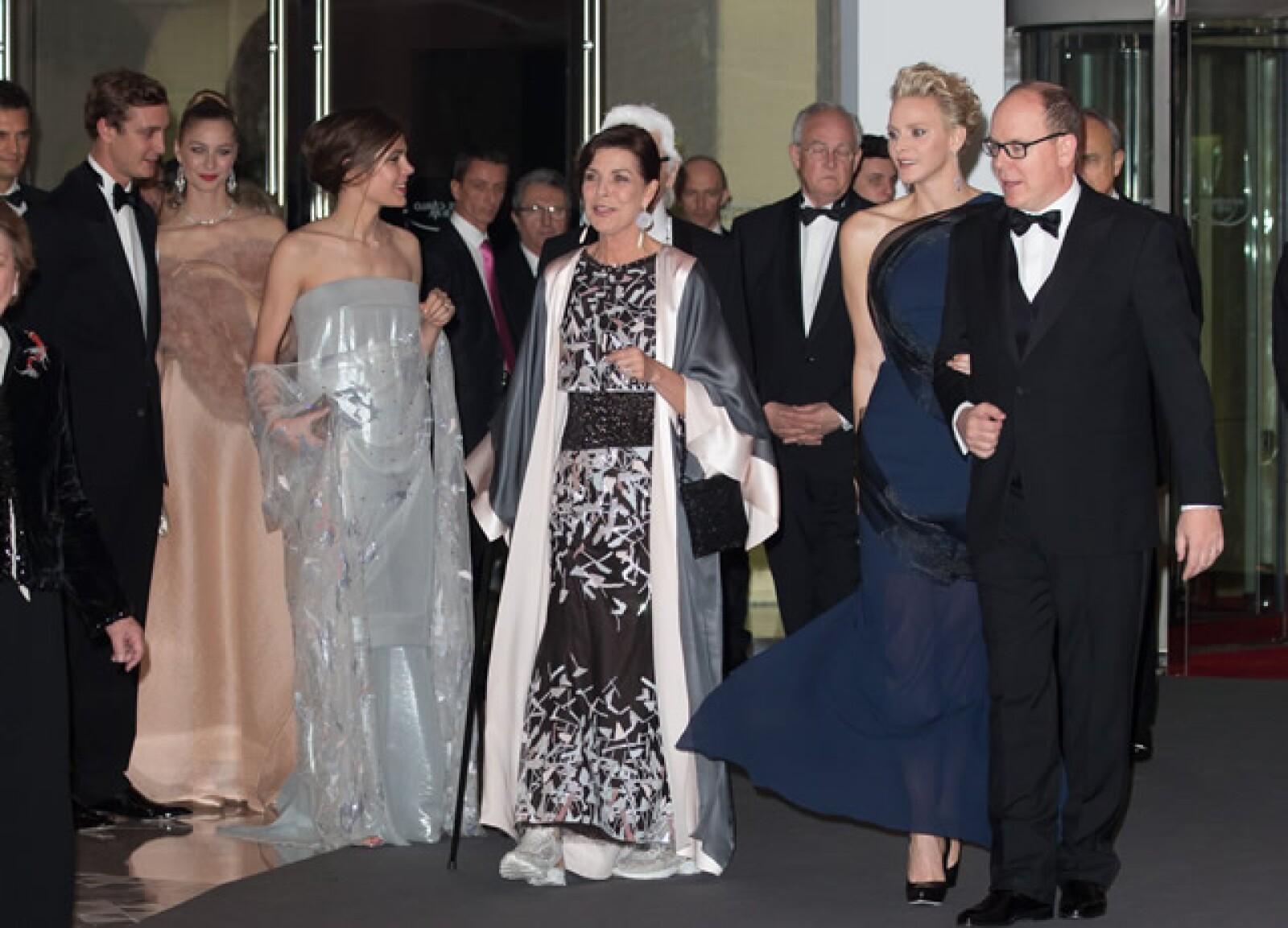 Pierre Casiraghi, Beatrice Borromeo, Carlota Casiraghi, princesa Carolina, Charlene y Alberto de Mónaco.