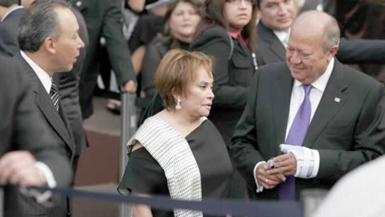 El gobernador de Chihuahua, José Reyes Baeza; la dirigente del SNTE, Elba Esther Gordillo, y el líder de los petroleros, Carlos Romero Deschamps.