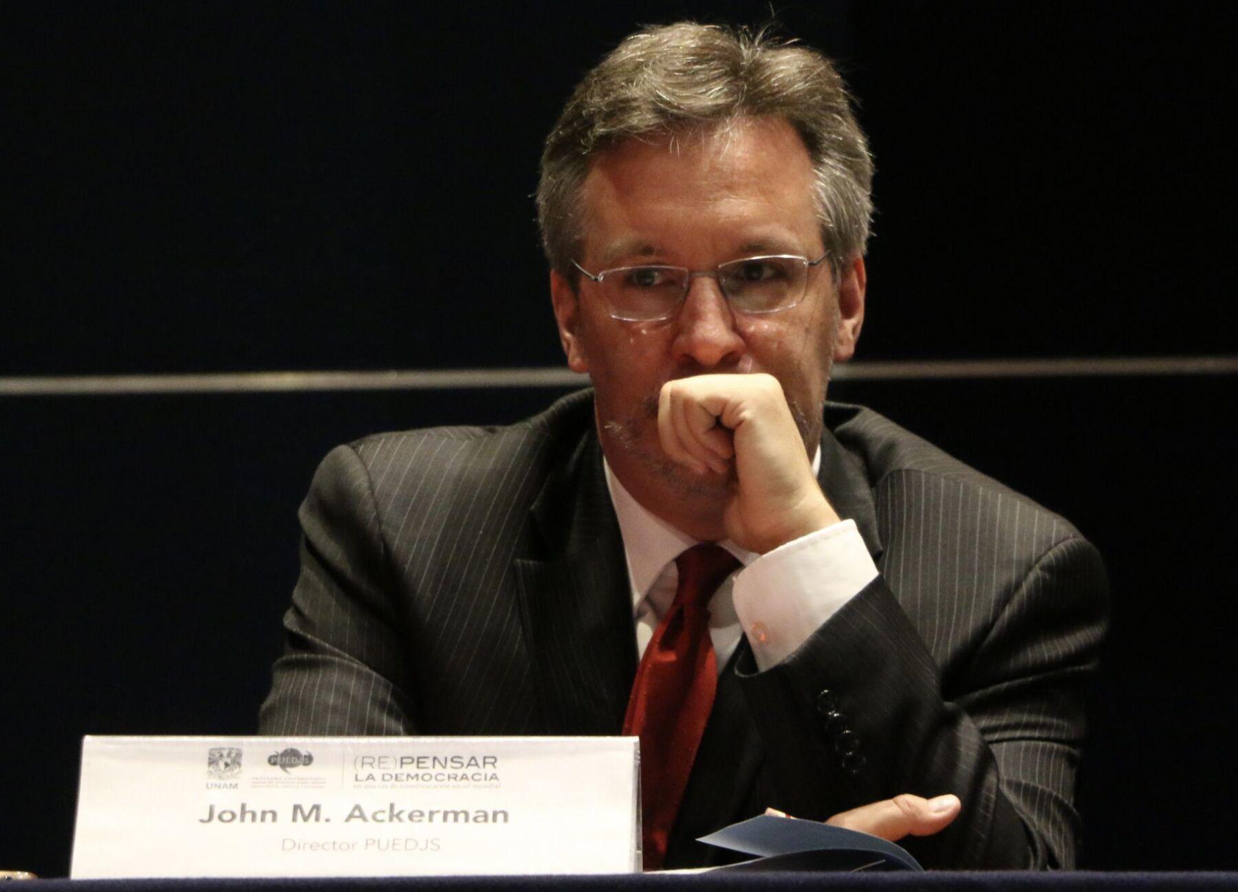 La entrega de 5.8 mdp del Conacyt a un proyecto de John Ackerman genera polémica