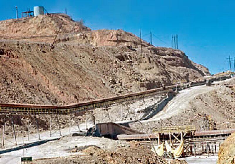 Grupo México saldrá de la crisis como una de las mineras más solidas de América Latina, estiman analistas. (Foto: Bloomberg News)