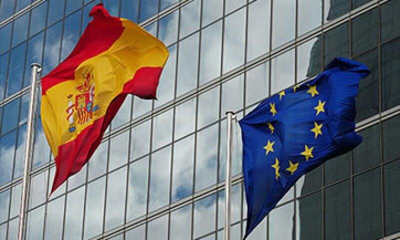 El rendimiento de los bonos españoles a 10 años se ubicó ligeramente por debajo del 6.13%. (Foto: AP)