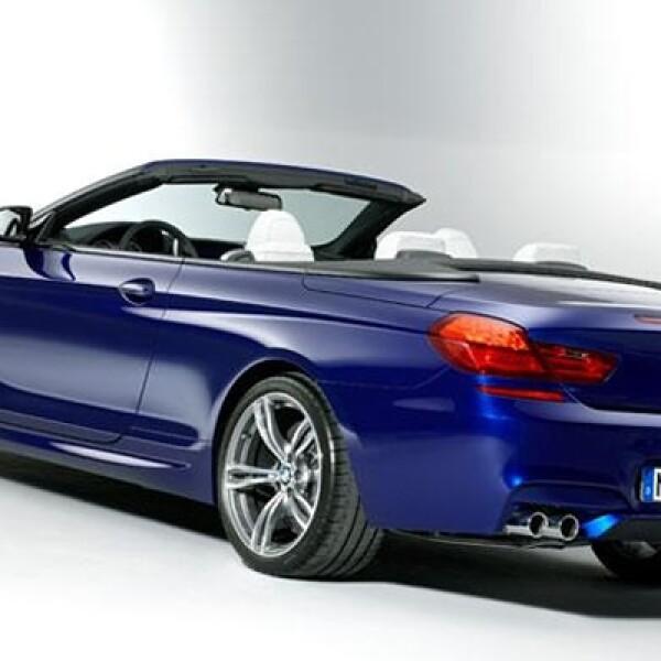 : El motor del BMW M6 es un V8 de 4.4 litros que desarrolla 560 caballos de fuerza, lo que le permite una aceleración de 100 kilómetros por hora en 4.2 segundos.