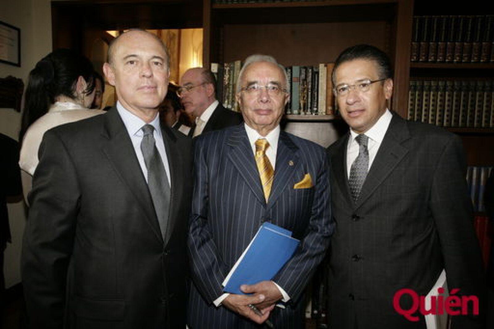 Hesiquio Aguilar, Julio Zamora, Salvador Mikel
