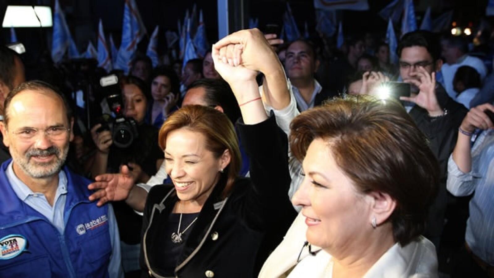 Josefina Vázquez Mota asistió al inició de campaña de Isabel Miranda de Wallace