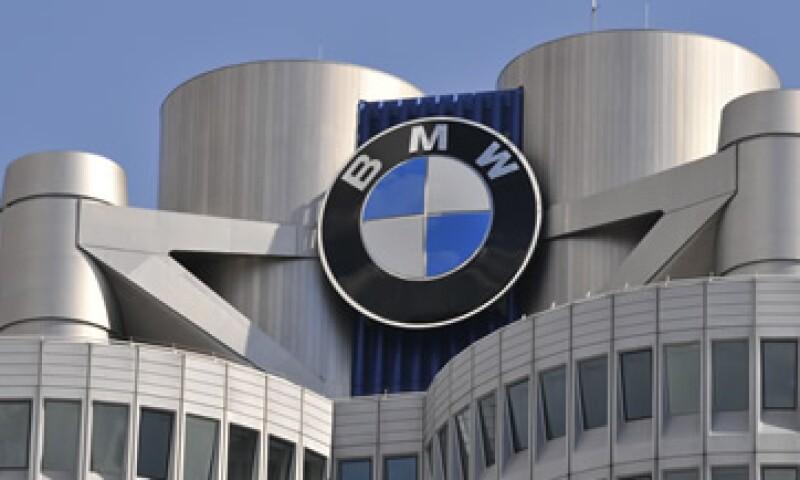 La marca BMW superó a su rival Audi en la competencia por el primer lugar en la industria de autos premium. (Foto: AP)
