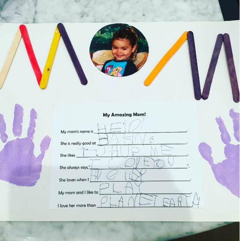 Esto fue lo que Elena escribió a su madre con motivo del 10 de mayo.